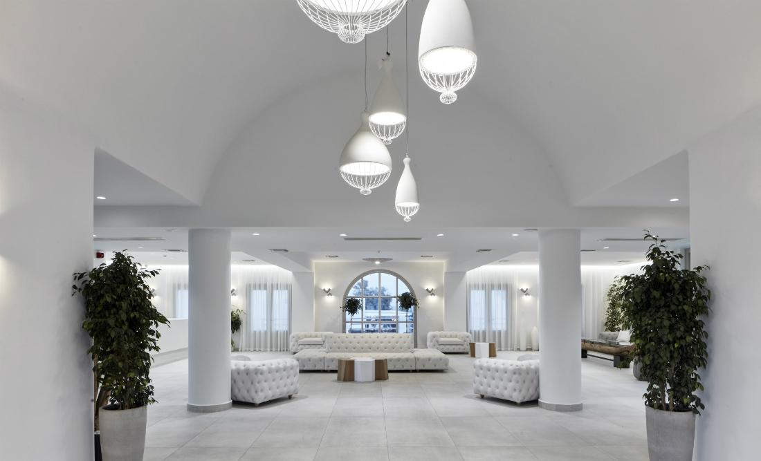 Karman sospensioni e applique per Interior Design di un Hotel in Grecia